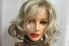 Prothèse capillire blonde